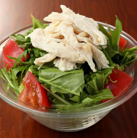 苦瓜とフルーツトマトと蒸し鶏のサラダ