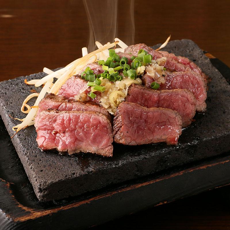 日南鶏もも肉溶岩焼き/国産牛ランプ炙り~にんにく醤油~
