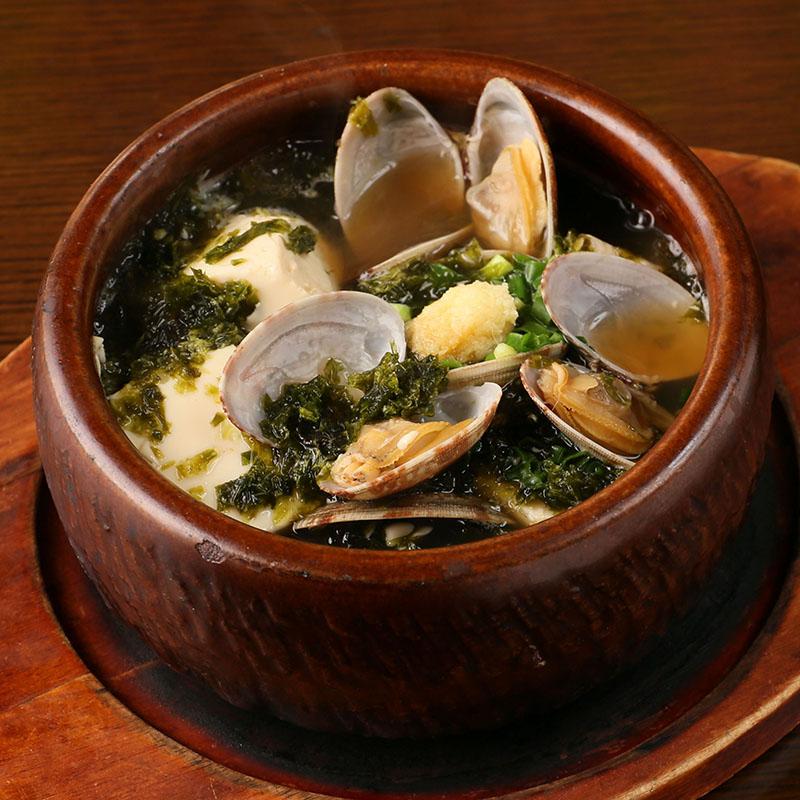 博多 もちもち炊き餃子/浅利とあおさ海苔の湯豆腐