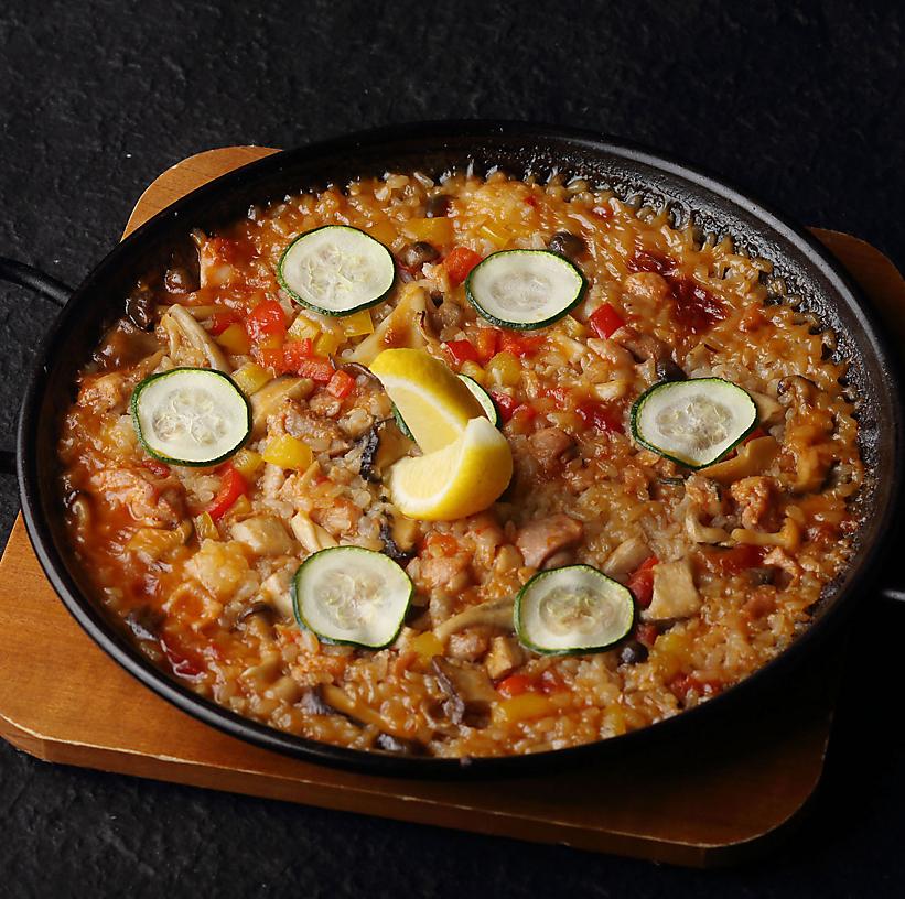 Chicken and mushroom paella