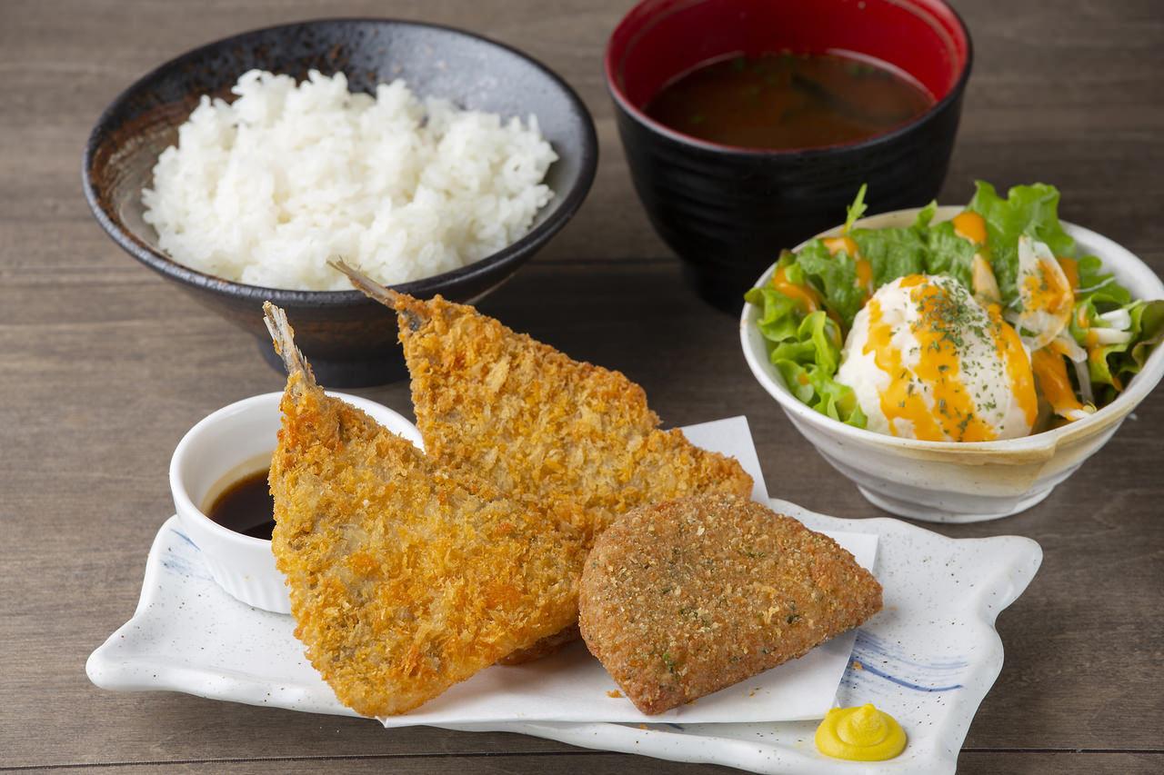 【揚げ物よくばり定食】