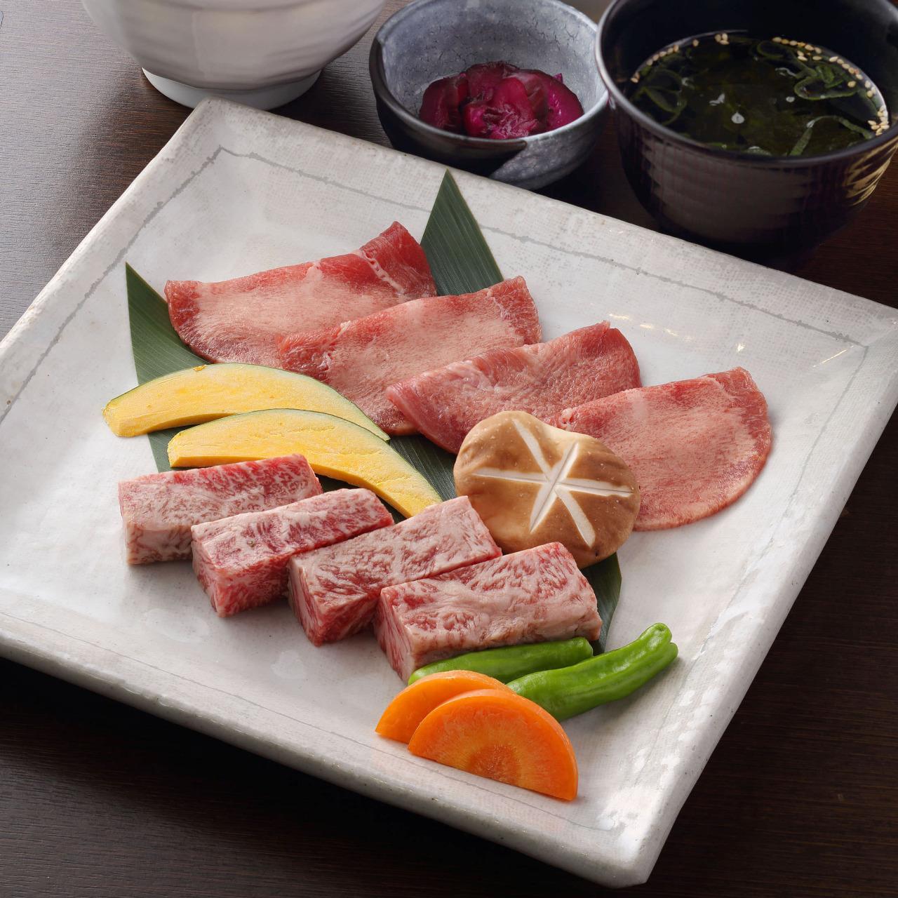薄切り牛上塩タン&九州黒毛和牛サーロイン 炭焼きセット