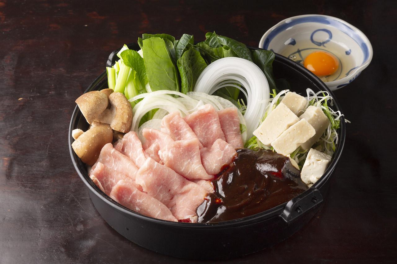 【11,12月】日本酒20種含む2H飲み放題付豚の山椒タレ焼き含む全7品『若鶏の八丁味噌すき鍋コース』