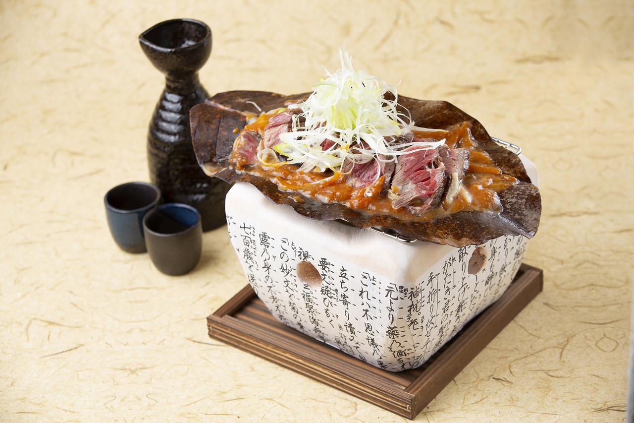 【11,12月】日本酒20種含む2H飲み放題付カキフライ含む全7品『瀬戸山麓牛の朴葉味噌焼きコース』