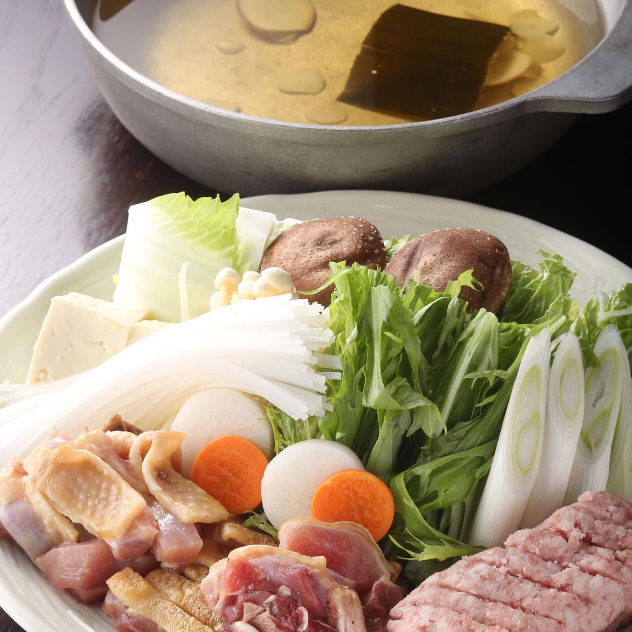 ふもと赤鶏の水炊き鍋 ~塩麹入り鶏ガラだし~