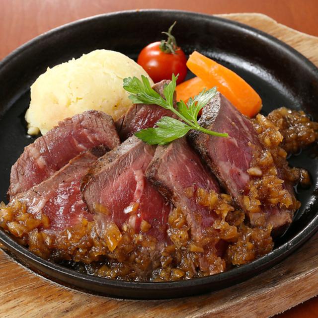 牛ハラミの鉄板焼き~ローストガーリックソース~