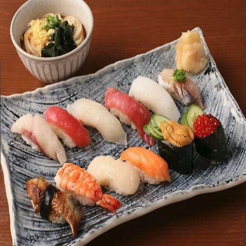 おまかせ特選寿司12貫盛り合わせ 冷ミニうどんセット