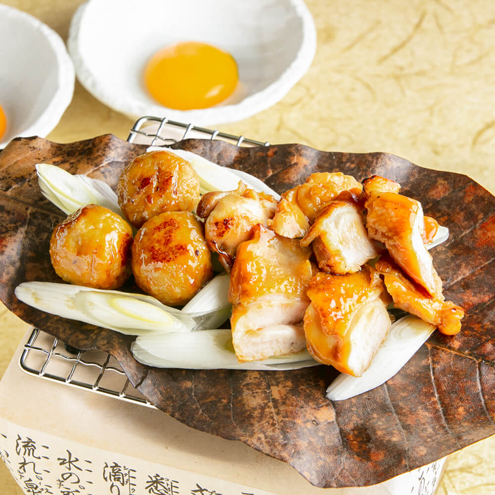 奥三河鶏のすき焼き朴葉焼き~玉子二個付き~